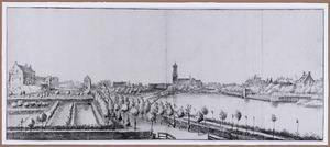 Gezicht op Loenen aan de Vecht, links kasteel Kronenburg