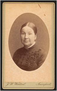 Portret van Sara Maria van de Poll (1823-1907)