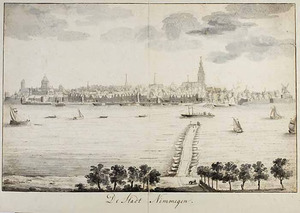 Nijmegen, gezicht op de stad vanaf het bruggenhoofd bij Lent