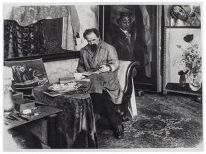 Jan Sluijters (1881-1957) in zijn atelier aan de Lomanstraat in Amsterdam