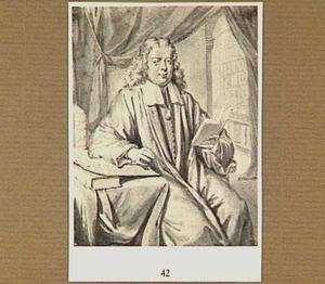 Portret van een zittende man met een boek in zijn hand