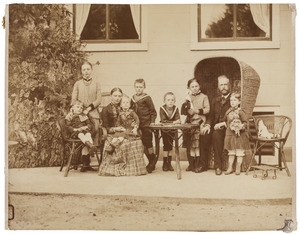Portret van Petrus Johannes van Swinderen (1842-1911) en zijn gezin