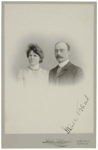 Portret van Frans Lodewijk Gerhard Zeno Maria Vonk de Both (1873-1952) en Maria Josephina Antoinette Sassen (1874-1939)