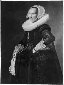 Portret van een vrouw, waarschijnlijk Cunera van Baersdorp (1600-1640)