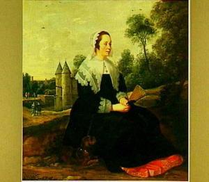 Vrouw met hond en waaier zittend voor kasteel