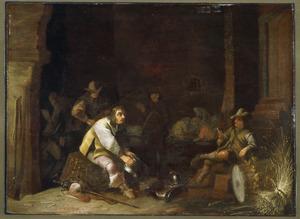 Wachtlokaal met soldaat die zijn kuras oppoetst