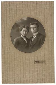 Portret van Pieter Everts (1888-1928) en Imke van Dijk (1892-1954)
