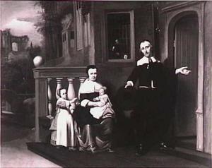 Familieportret van een echtpaar met twee kinderen op het bordes voor hun huis
