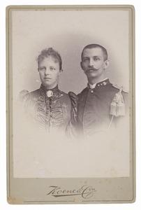Portret van Odilia Amelia van Hall (1868-1932) en Johan Bernard In'tveld (1868-1947)