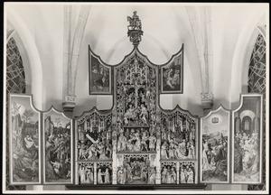 Christus in Gethesemane, de gevangenneming (binnenzijde linkerluik); Ecce Homo (binnenzijde linker bovenluik); De annunciatie, de visitatie, de Boom van Jesse, de besnijdenis, de presentatie in de tempel, de kruisdraging, de kruisiging, de bewening (middendeel); De graflegging (binnenzijde rechter bovenluik); De tenhemelopneming, pinksteren (binnenzijde rechterluik)