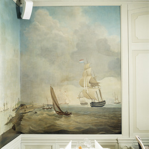 Zee met zeilschepen