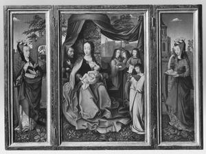 De H. Catharina (links); de Heilige Familie met musicerende engelen (midden): de H. Barbara (rechts)