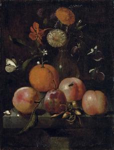 Stilleven van vruchtehn en bloemen