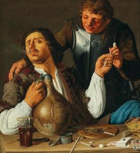 Twee drinkende en rokende mannen achter een tafel