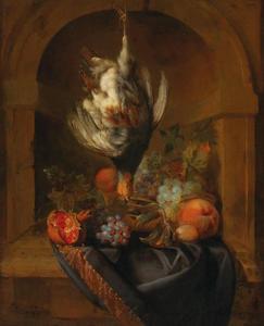 Dode patrijs hangend boven een stilleven van fruit in een nis