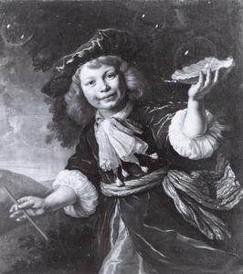 Portret van een jongen als bellenblazer