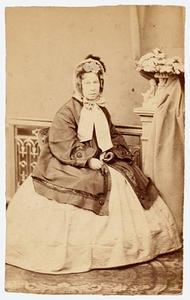 Portret van Henriette Gabrielle Maria Momma (1806-1881)