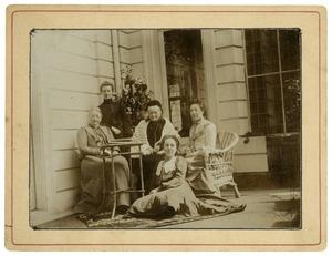 Groepsportret met Elisabeth Jacoba de Wildt (1824-1906)
