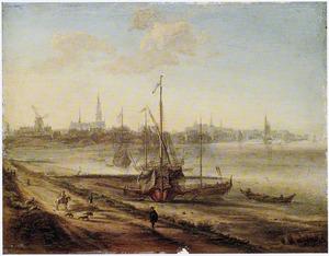 Gezicht op de Schelde met een galei, in de verte Antwerpen