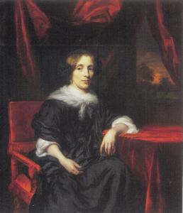 Portret van een vrouw zittend aan een tafel