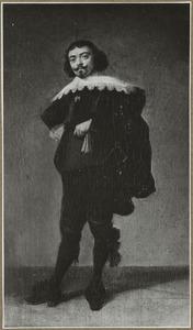 Portret van een man, ten voeten uit