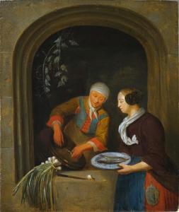 Keukenmeid die vis schoonmaakt in een venster, op de voorgrond een dame met een bord met twee vissen