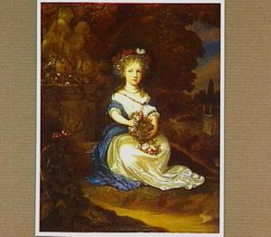Portret van een meisje met een bloemenkrans, zittend in een parklandschap