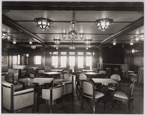 Scheepsinterieur m.s. Colombia, rooksalon 1ste klas met rechts de bar