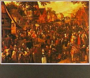 Dorpsfeest met dansende mensen en een processie