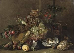 Stilleven met vruchten en een patrijs, een watersnip en twee kwartels bij een kooi