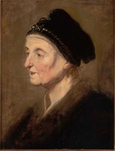 Oudere vrouw met muts met parels bezet