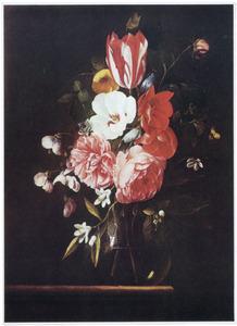 Bloemen in een vaas (fragment van een krans)