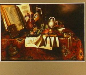Vanitasstilleven met boeken, schedel en aardewerk op een tafel bedekt met een oosters kleed