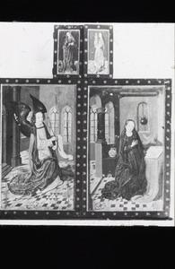 De annunciatie (buitenzijde linker- en rechterluik); De H. Catharina (buitenzijde linker bovenluik); De H. Barbara (buitenzijde rechter bovenluik)