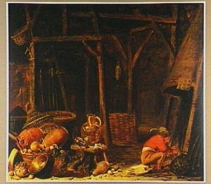 Interieur van een schuur met een man gezeten op een paardenschedel die zich warmt aan een vuur