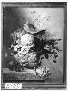 Boeket met bloemen op marmeren blad