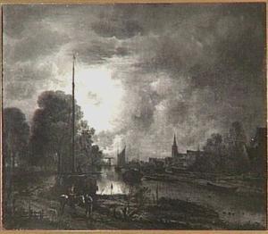 Vaartuigen op een rivier bij maanlicht