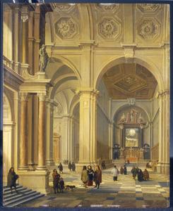 Interieur van een classicistische kerk met kerkgangers