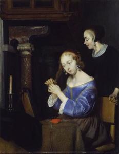 Jonge vrouw aan haar toillettafel, met een dienstmeid