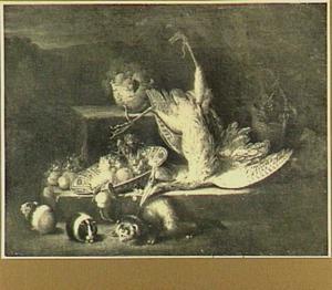 Jachtstilleven met vruchten, roerdomp, cavia en wezel