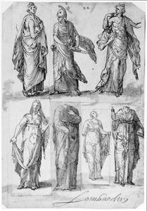 Zeven antieke standbeelden van vrouwen