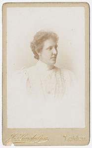 Portret van Suze Kuenen