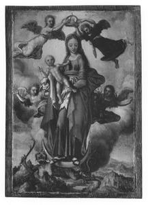 Maria met kind op de maansikkel en omringd door engelen