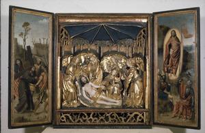 De kruisdraging (binnenzijde linkerluik); De bewening (middendeel); De opstanding (binnenzijde rechterluik)