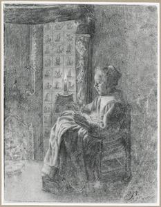 Zittende vrouw naast schouw bij kaarslicht