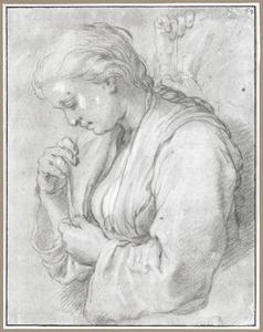 Vrouw die haar jurk sluit