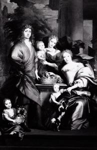 Familieportret voor een classicistisch bouwwerk