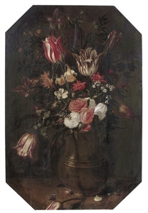 Bloemen in een koperen (?) vaas