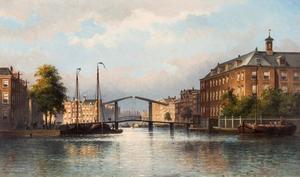Amsterdam, gezicht vanuit de Amstel naar de Zwanenburgwal en de dubbele ophaalbrug ter hoogte van de Staalstraat; rechts het Diaconieweeshuis.