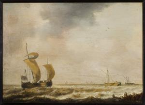 Haringbuis en andere schepen voor de kust